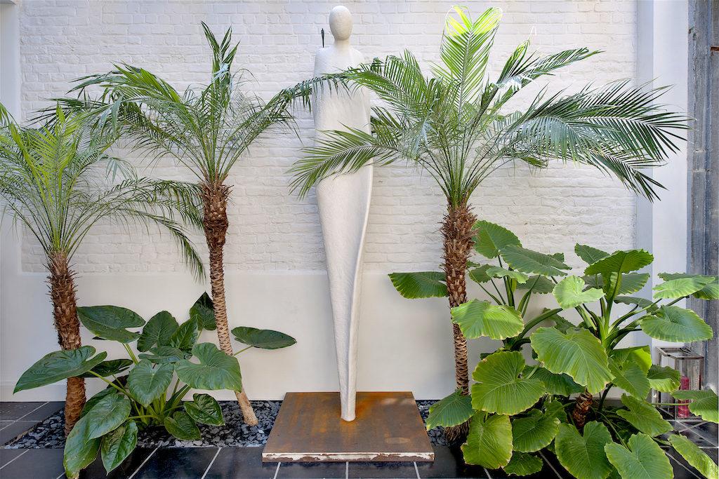Tout Simplement (sculpture extérieur) - Résine, poudre de marbre & bronze ou bronze, 2/8, 2012 H.280cm / L.48cm / P.35cm